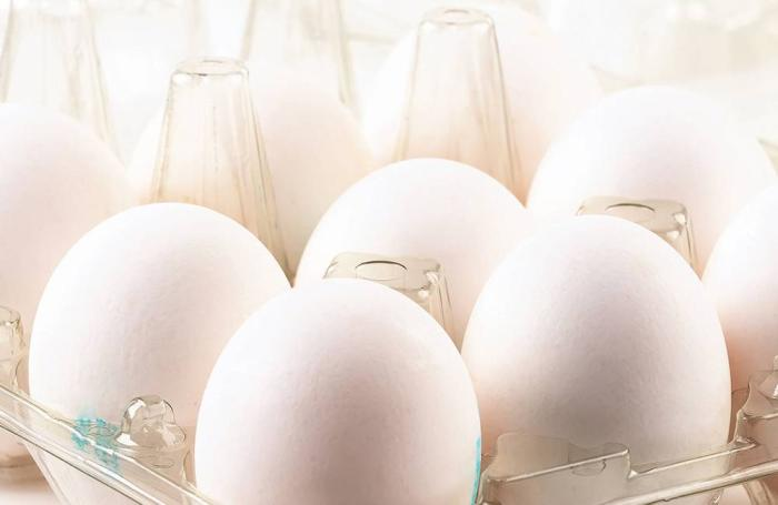 eggs-in-crate-1607EI.jpg