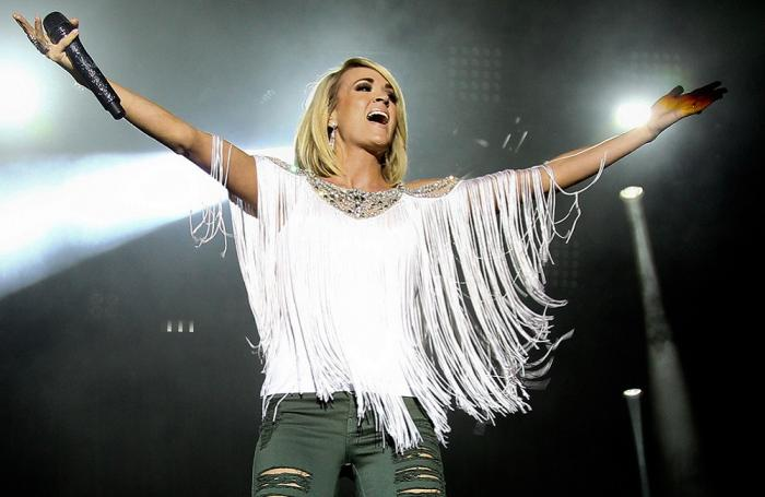 Hsus-carrie-underwood