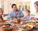 Family-eating-chicken-1409USAtrust.jpg